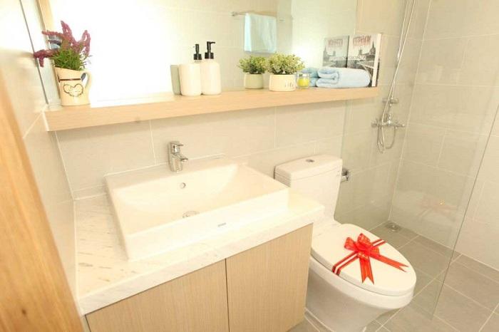 toilet-can-ho-d-aqua-quan-8